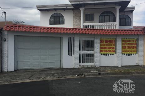 Hermosa casa dos plantas en moravia los colegios casa for B b for sale by owner