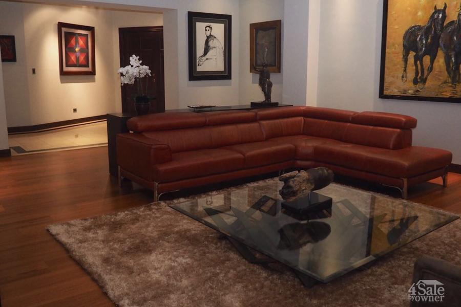 Apartamento de lujo en los laureles apartamento escaz for B b for sale by owner