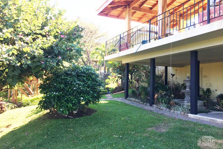 Casa en pozos de santa ana casa santa ana san jos for B b for sale by owner