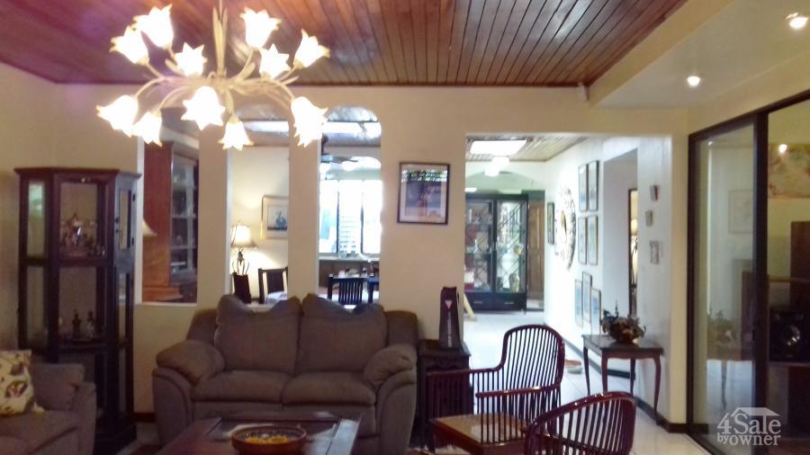 Hermosa casa en rohrmoser casa san jos san jos for B b for sale by owner