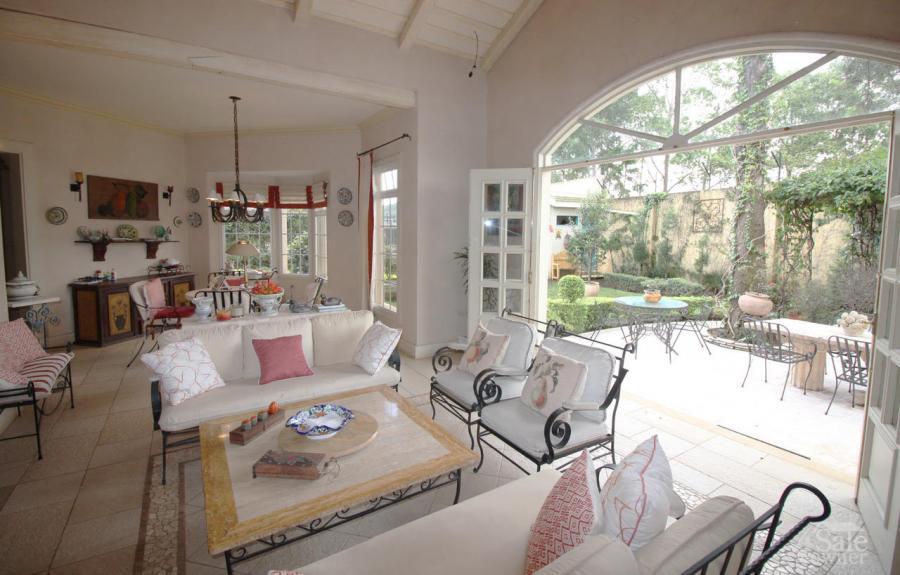 Casa estilo francesa a la venta en Lomas de Ayarco | Casa ...